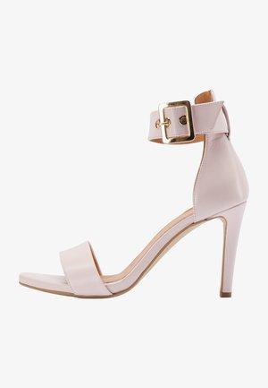 Sandalen met hoge hak - rosa