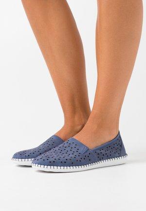 Półbuty wsuwane - jeans