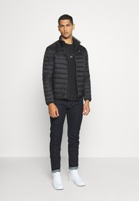 Calvin Klein - SMALL TONE LOGO - T-shirt med print - black - 1