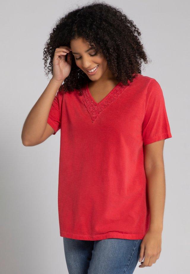 T-shirt print - salsa