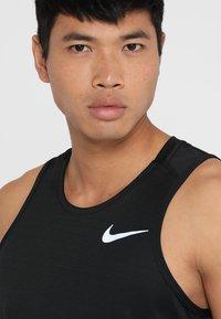 Nike Performance - DRY MILER TANK - Camiseta de deporte - black/black/reflective silver - 3