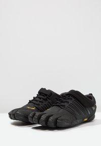 Vibram Fivefingers - V-TRAIN - Sports shoes - black out - 2