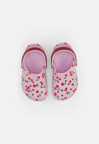 Crocs - CLASSIC FOOD - Pool slides - ballerina pink - 3