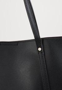New Look - TIANA PLAIN TOTE - Shopper - black - 2