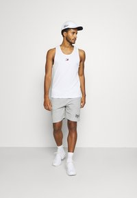 Tommy Hilfiger - TRAINING  - Top - white - 1