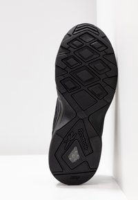 Reebok Classic - AZTREK 96 TRANSLUCENT - Sneakers laag - black/neon lime/true grey - 8