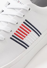 Tommy Hilfiger - CORPORATE  - Joggesko - white - 5