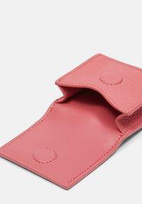 Liebeskind Berlin - Other accessories - flamingo (pink) - 3