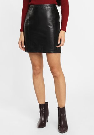 NEEDA LN - Jupe en cuir - black