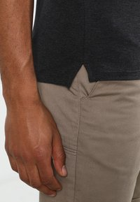Selected Homme - SLHARO EMBROIDERY - Polo shirt - dark grey melange - 4