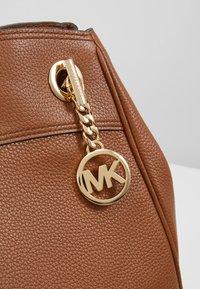 MICHAEL Michael Kors - JET SET CHAIN LEGACY - Across body bag - luggage - 6