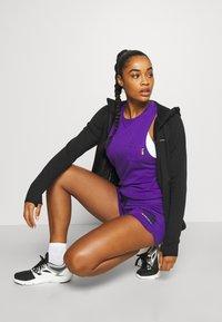 The North Face - RAINBOW SHORT - Sports shorts - peak purple - 3