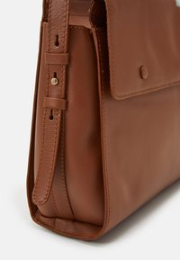 Zign - LEATHER - Torebka - cognac - 3
