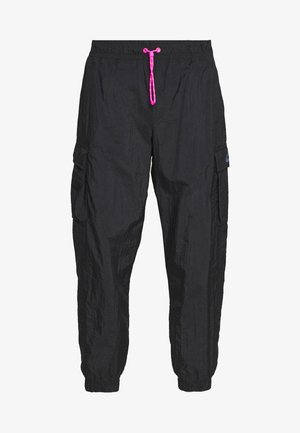W NSW ICN CLSH PANT WVN - Tracksuit bottoms - black/fire pink