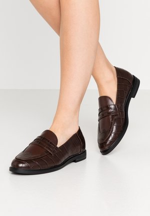 Slip-ons - brown