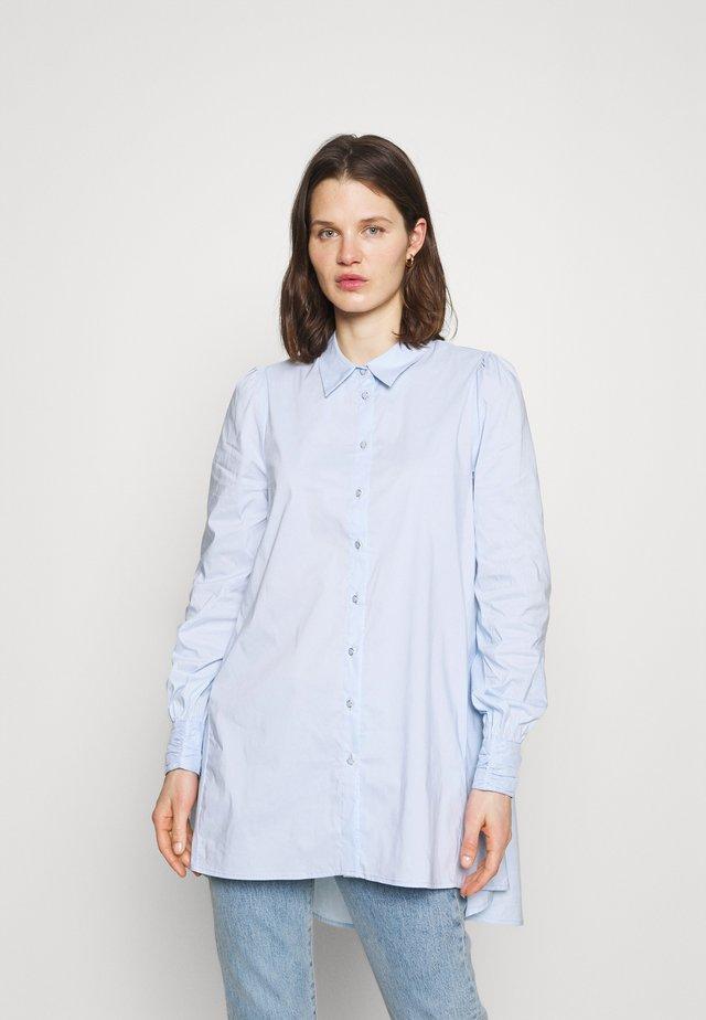 CUANTONIETT - Camicia - cashmere blue