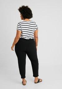 Even&Odd Curvy - Trousers - black - 3