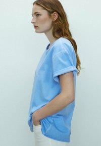 Massimo Dutti - Basic T-shirt - blue - 1
