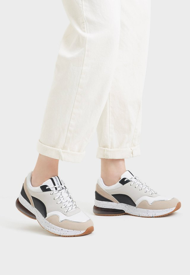 KOMBINIERTE  - Sneakers laag - white