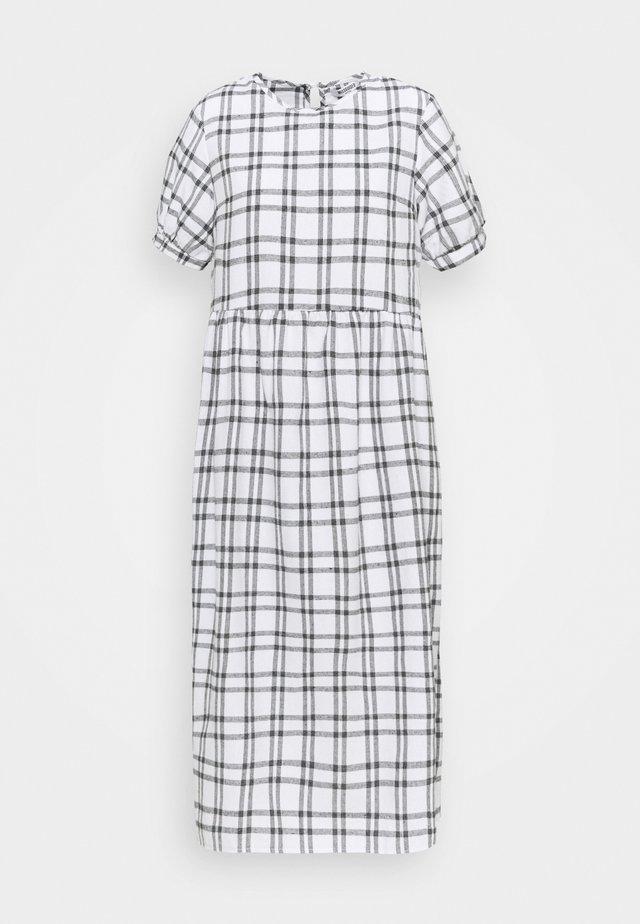 PUFF SMOCK DRESS CHECK - Denní šaty - white