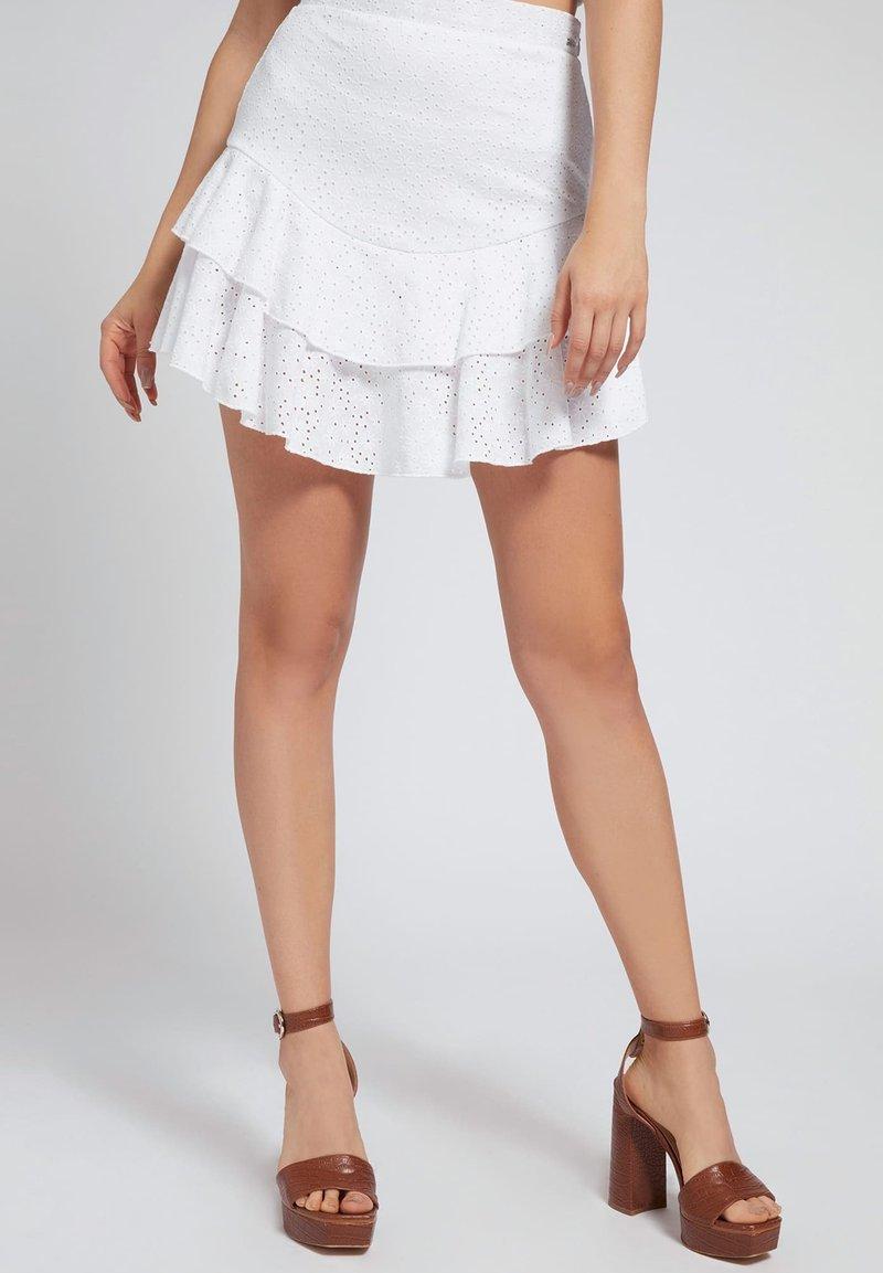 Guess - GALLER SPITZE - A-line skirt - weiß