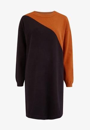SUGARHILL BRIGHTON JETT ARC SPLIT - Jumper dress - black
