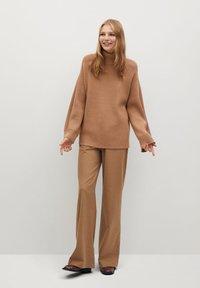 Mango - PALMER - Sweter - marron moyen - 1