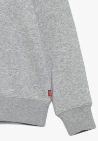 Levi's® - BATWING CREWNECK - Felpa - grey heather