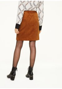 comma - MIT REISSVERSCHLUSS - A-line skirt - light cognac - 2