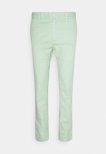 MOTT CLASSIC GARMENT DYED - Chino kalhoty - sea foam