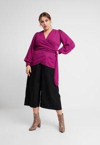 Fashion Union Plus - FASHION UNION WRAP WITH SIDE KNOT DETAIL - Blouse - cranberry - 1
