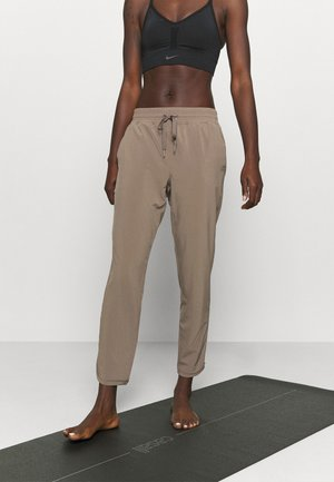 TAPERED PANT - Pantalones deportivos - plymouth rock