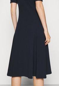 Lauren Ralph Lauren - MUNZIE ELBOW SLEEVE CASUAL DRESS - Jersey dress - navy - 4