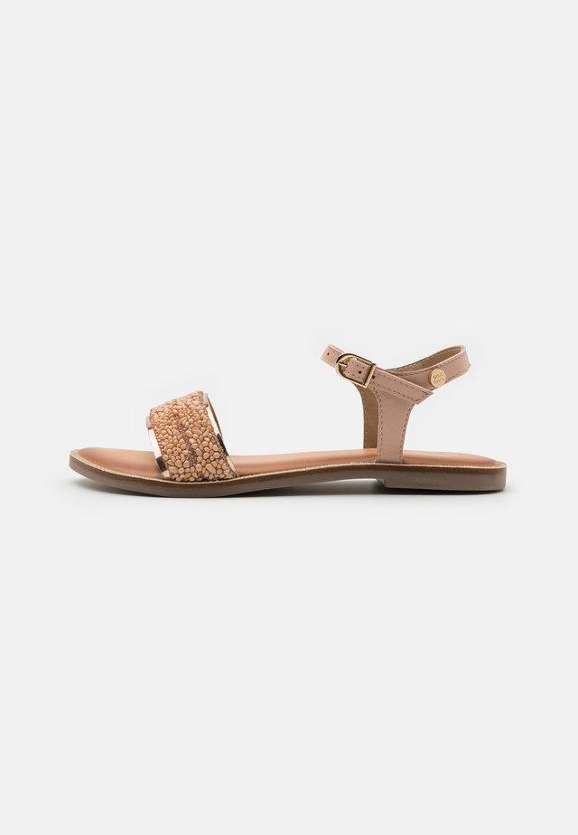 CANAZZI - Sandały - nude