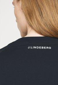 J.LINDEBERG - DAVIN - Print T-shirt - navy - 4