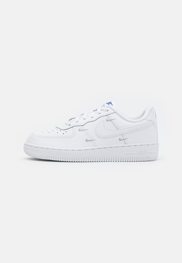 FORCE 1 LV8 - Trainers - white/hyper royal/black