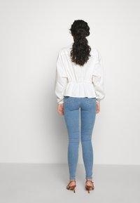 Topshop Tall - JONI CLEAN - Jeans Skinny Fit - blue - 2