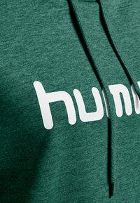 Hummel - Hoodie - evergreen - 2