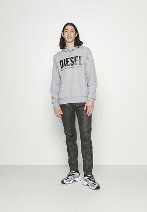 D-STRUKT-A-SP2 - Slim fit jeans - olive