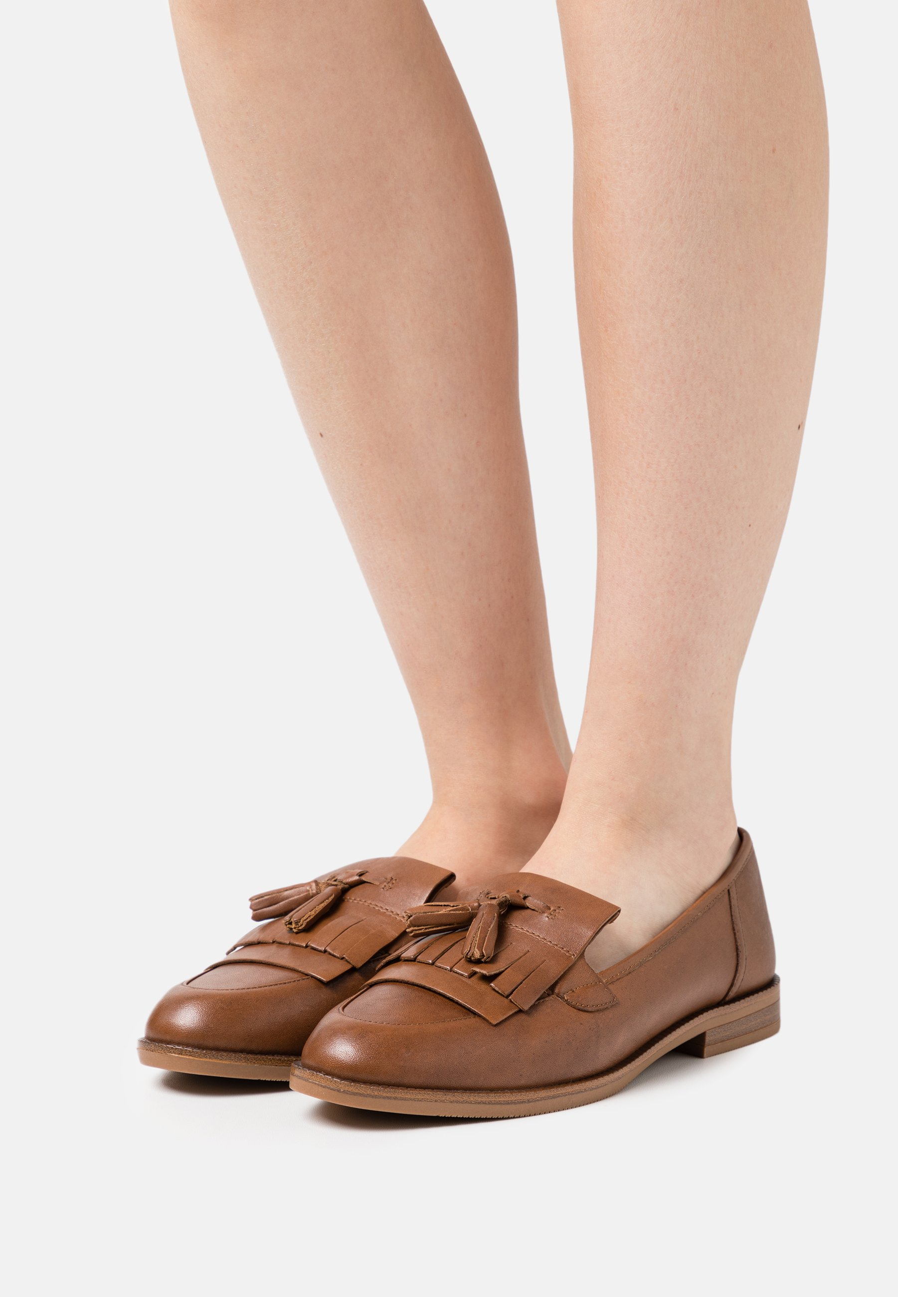 Women Slip-ons - nut