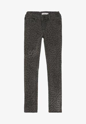 NKFPOLLY TWITULEO PANT  - Slim fit jeans - dark grey