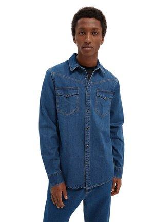 Shirt - dark washed indigo