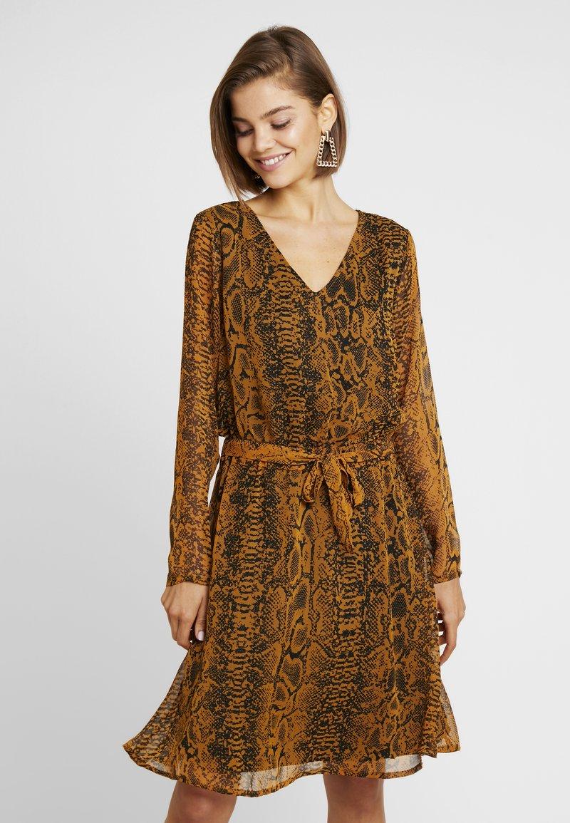 ICHI - Day dress - buckthorn brown