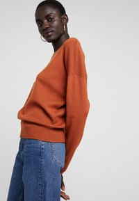 ONLY Tall - ONLMIMI - Jumper - picante - 3