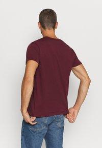 GANT - THE ORIGINAL - T-shirt - bas - port red - 2