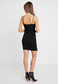 Missguided - SLINKY WRAP OVER MINI DRESS - Pouzdrové šaty - black - 3
