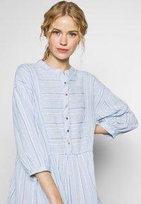 Culture - CUAMINE DRESS - Shirt dress - cashmere blue - 4