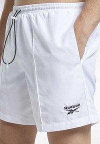 Reebok Classic - CLASSICS SHORTS - Shorts - white - 4