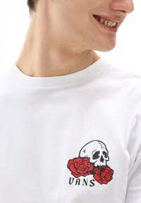 Vans - MN ROSE BED LS - Long sleeved top - white - 2