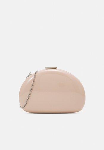 BOX BAG FRUIT M - Clutch - nude